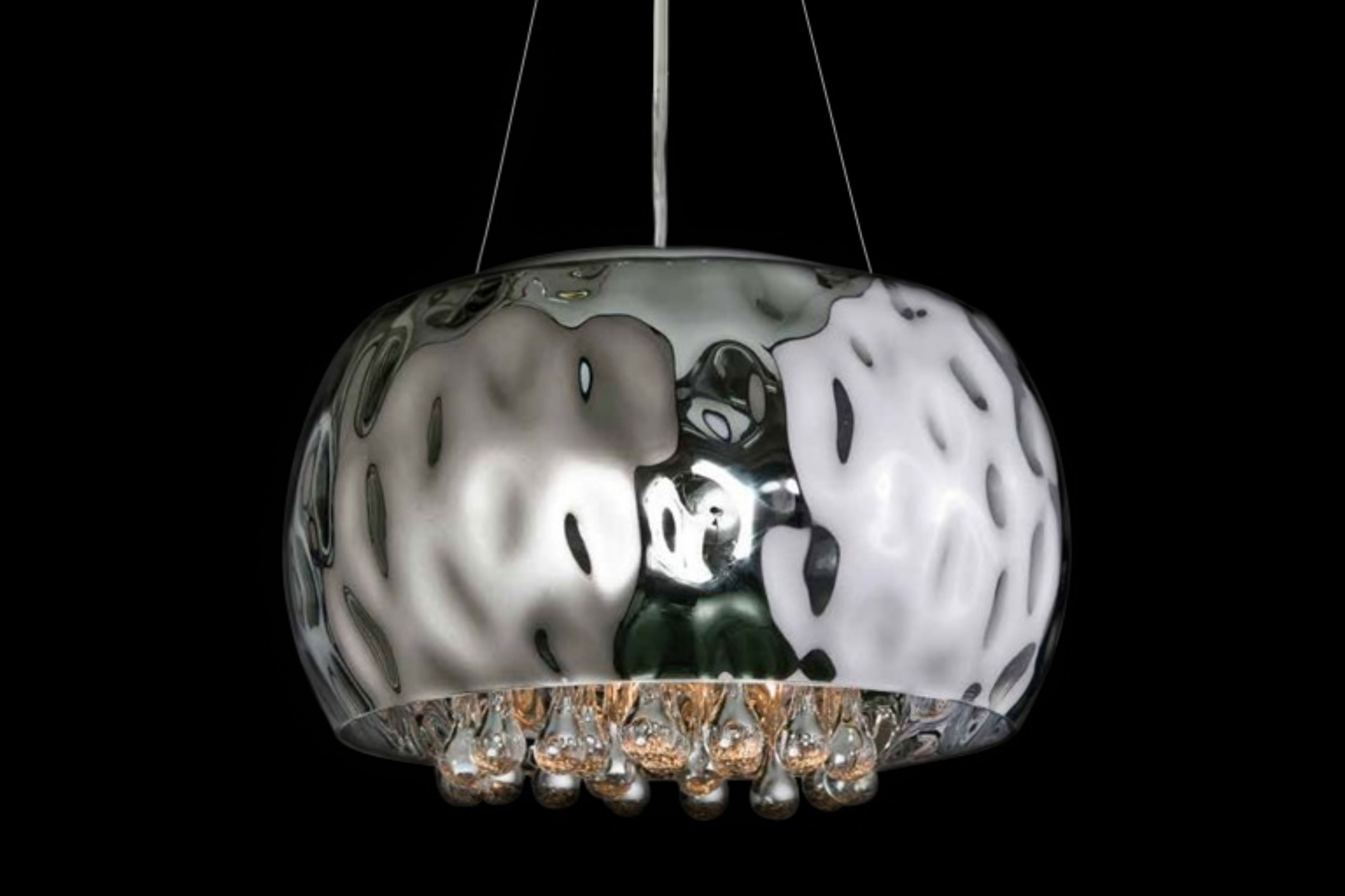 Exclusive pendant light Caldo with crystals and glass shade
