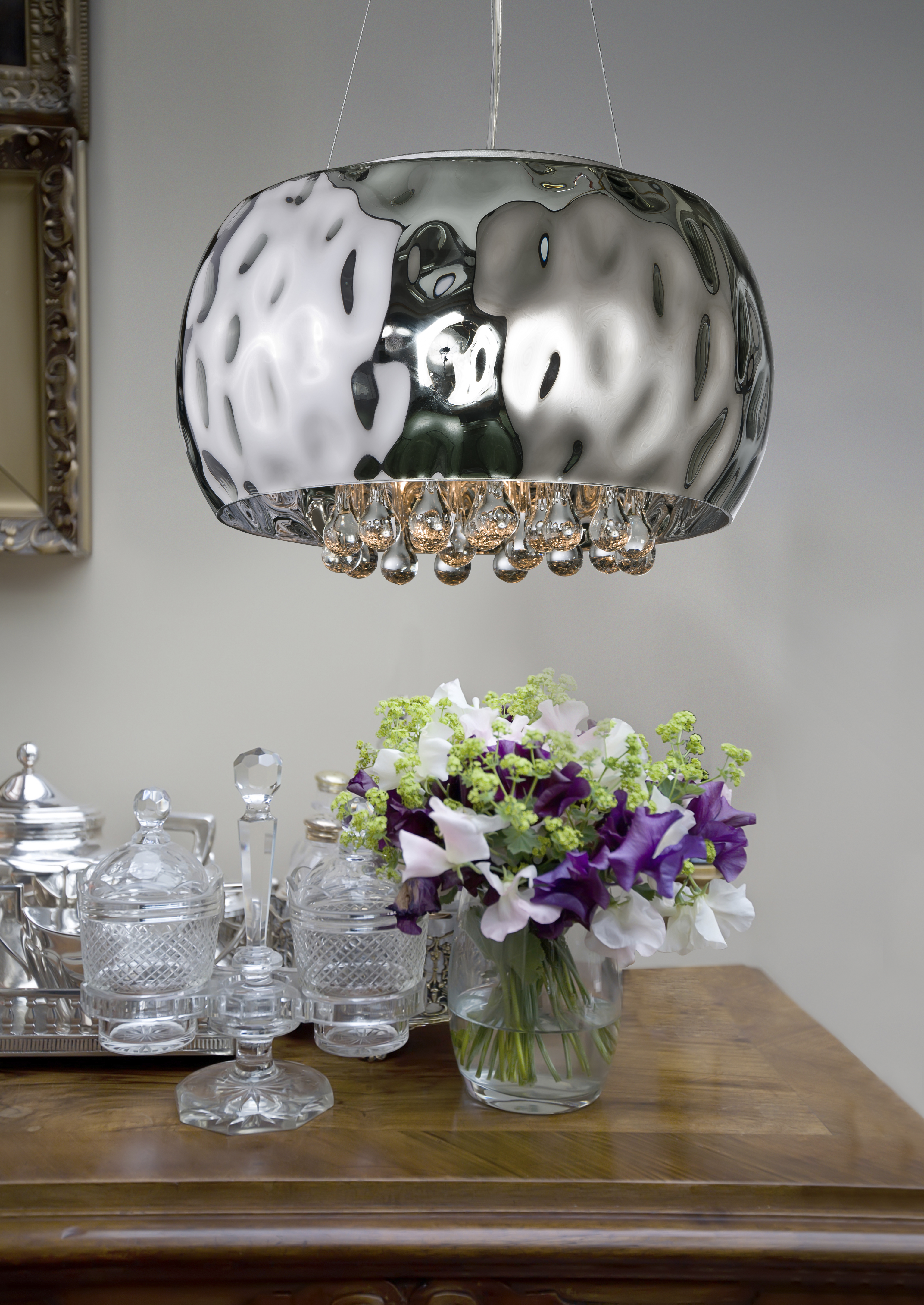 Exclusive pendant light Caldo with crystals inspiration