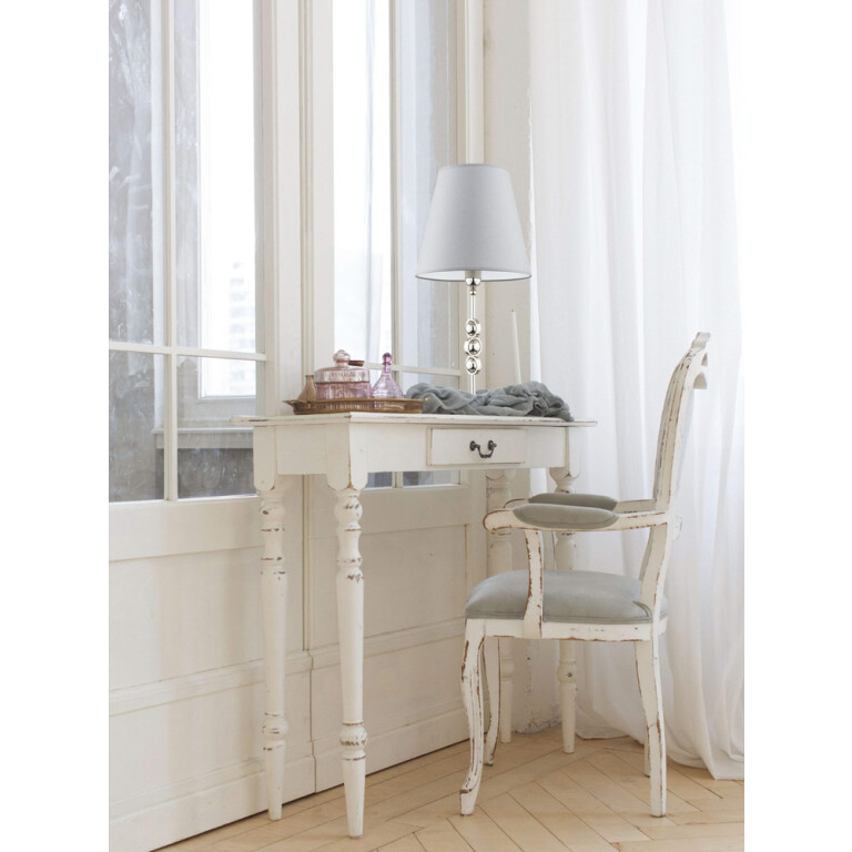 hallway inspiration with large grey table lamps SARA